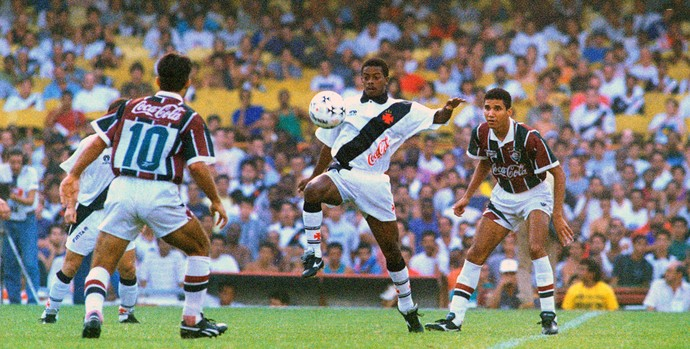 Dener jogando pelo Vasco em 1994 (Foto: Tassio Marcelo / Agência Estado)