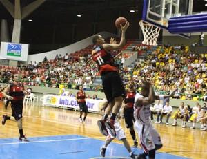 NBB -  Mogi x Flamengo (Foto:  Guilherme Peixinho/Divulgação)