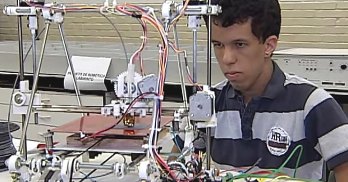 Estudante de engenharia elétrica da UFU cria impressora 3D