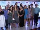 Famosos vão a pré-estreia do filme 'Loucas para casar', no Rio