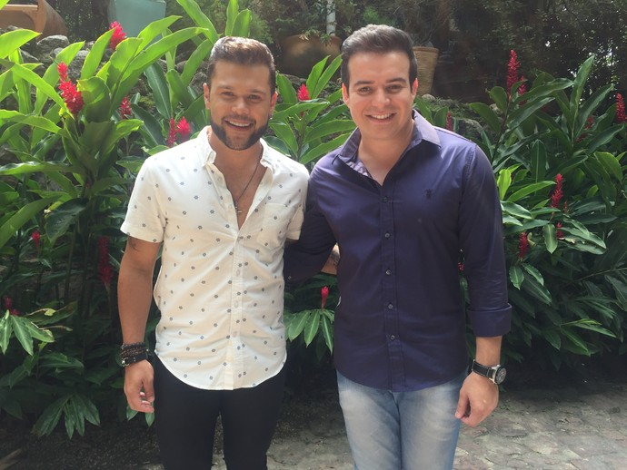 Marcos e Belutti posam nos bastidores do 'Mais Você' (Foto: Monique Arruda/Gshow)