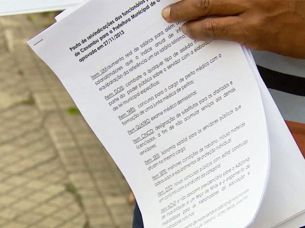 Servidores pleiteiam reajuste salarial (Foto: Erlei Peixoto/ EPTV)