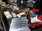 Polícia de Valinhos apreende itens de luxo e carros roubados; 2 são presos