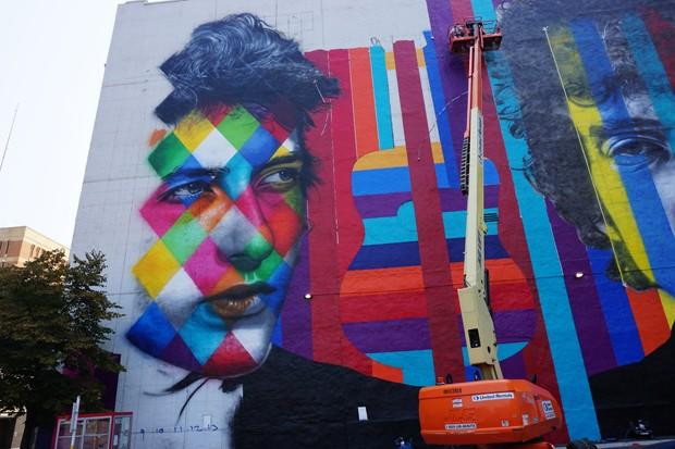 Mural do brasileiro Eduardo Kobra homenageia Bob Dylan em Minneapolis, nos EUA (Foto: Divulgação/Eduardo Kobra)