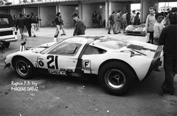 O GT 40 nas cores da equipe Greco e o nimeral #21. (Foto: Reprodução/Rogério P D Luz)
