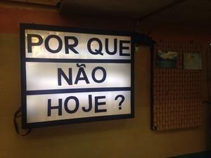 Painel luminoso feito por Maddu Magalhães (Foto: Gshow/Carolina Morgado)