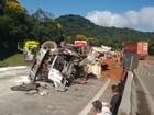 Motorista de caminhão morre após  tombamento na BR-277 no Paraná
