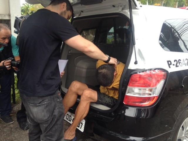 Pintor chega para depor em Distrito Policial em São Paulo (Foto: Will Soares/ G1)