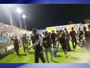 Vídeo: cadeira e outros objetos são atirados em jogadores do Atlético-PR