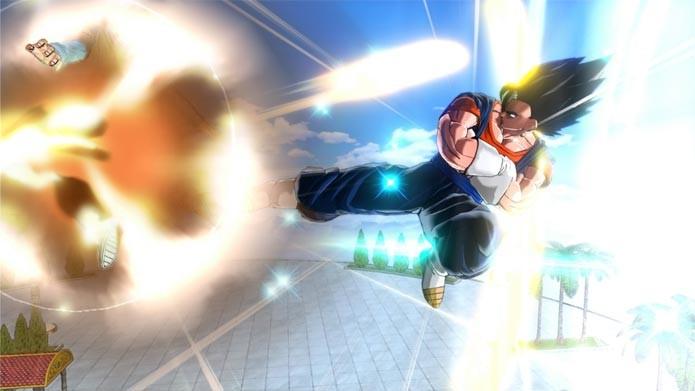 Até mesmo Vegito, fusão entre Goku e Vegeta, é jogável em Dragon Ball Xenoverse (Foto: Divulgação)