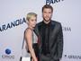Liam Hemsworth nega noivado com Miley Cyrus