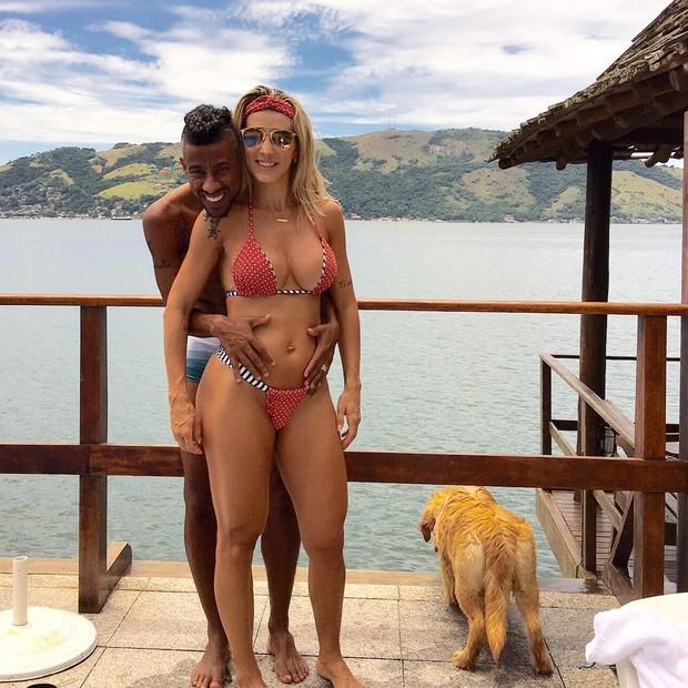 Léo Moura com a mulher, Camila (Foto: Reprodução/Instagram)