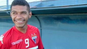 O Globo Esporte bateu um papo com o volante Pio, que fala da carreira e do Fortaleza