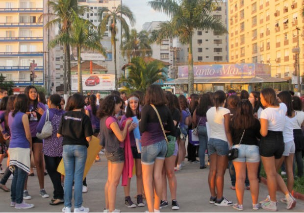Justin Bieber fansgater in Santos, Brazil to kick off campaign to bring the heartthrob to Brazil