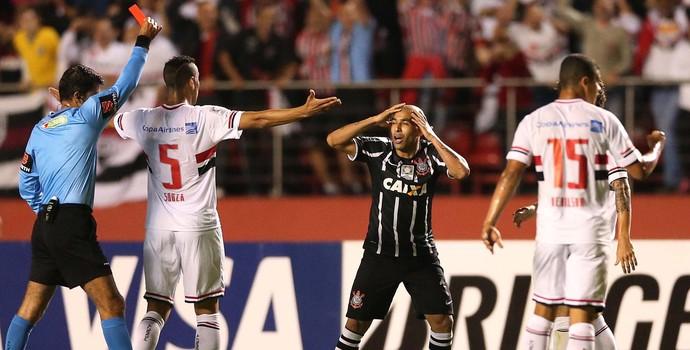 São Paulo x Corinthians Emerson Expulsão (Foto: Marcos Ribolli)
