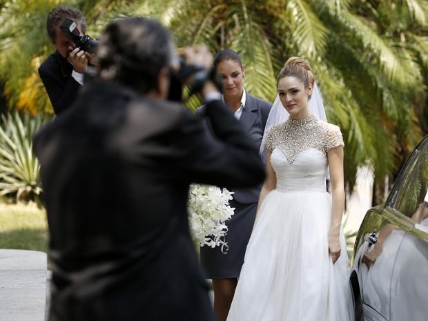 Na novela, Júlia desiste de seu amor por Pedro e casa com Edgard (Foto: Ellen Soares/Gshow)