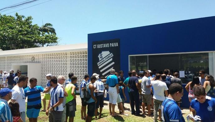 CSA apresentação reforços (Foto: Augusto Oliveira/GloboEsporte.com)