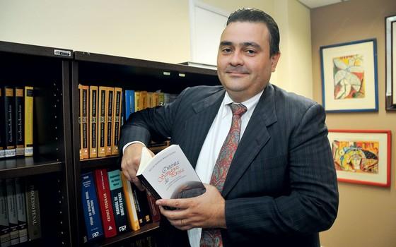 O desembargador Ney Bello,do TRF da 1 região.Ele decidirá sobre HC contra quebra de sigilo de jornalista (Foto:  Karlos Geromy/OIMP/D.A Press)