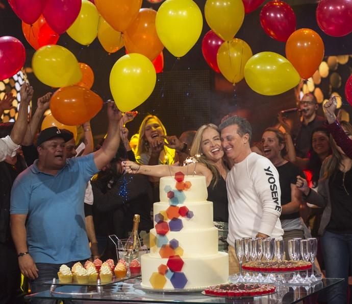Luciano Huck ganha surpresa de aniversário no 'Caldeirão' (Foto: Maurício Fidalgo/TV Globo)