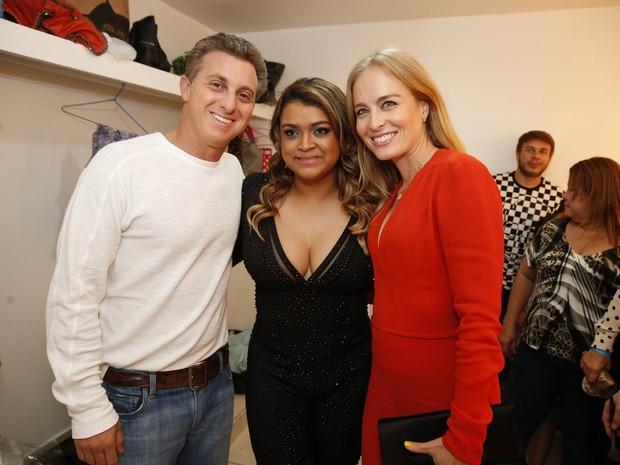 Luciano Huck, Preta Gil e Angélica em show da cantora no Rio (Foto: Felipe Panfili/ Ag. News)