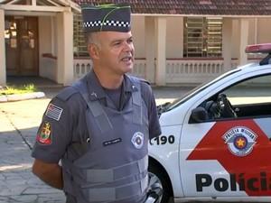 Policial ajudou usuário de crack em Sorocaba (Foto: Reprodução/TV TEM)