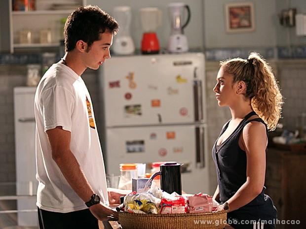 Meg insiste em saber se é Anita a garota que Ben ama (Foto: Jackson Vogel / TV Globo)