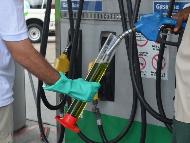 ANP fiscalizou a qualidade dos compustíveis em postos de Sergipe (Foto: Marina Fontenele/G1)