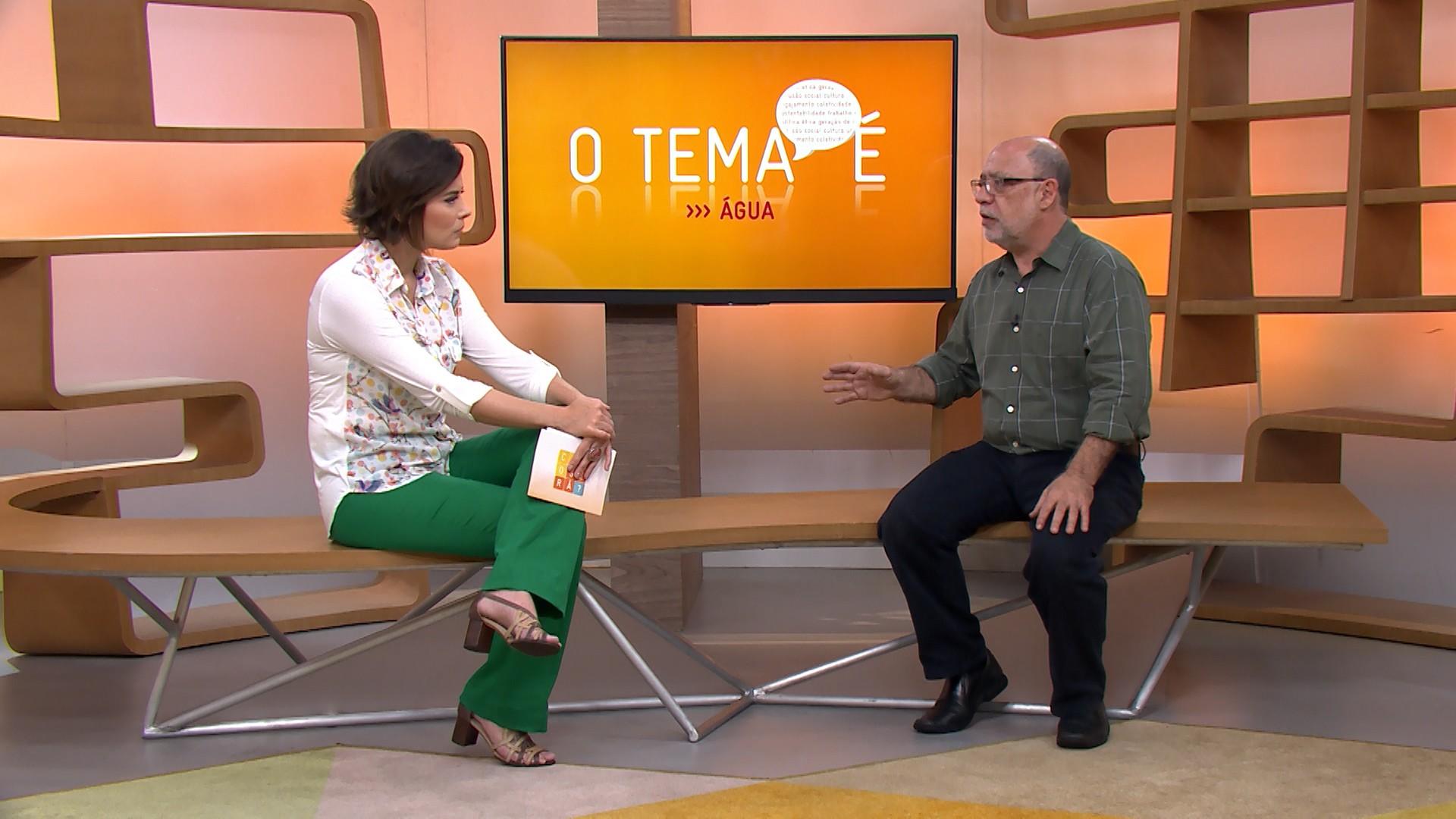 Michelle Loreto recebe o ambientalista e economista Sérgio Besserman no estúdio do Como Será? (Foto: Globo)