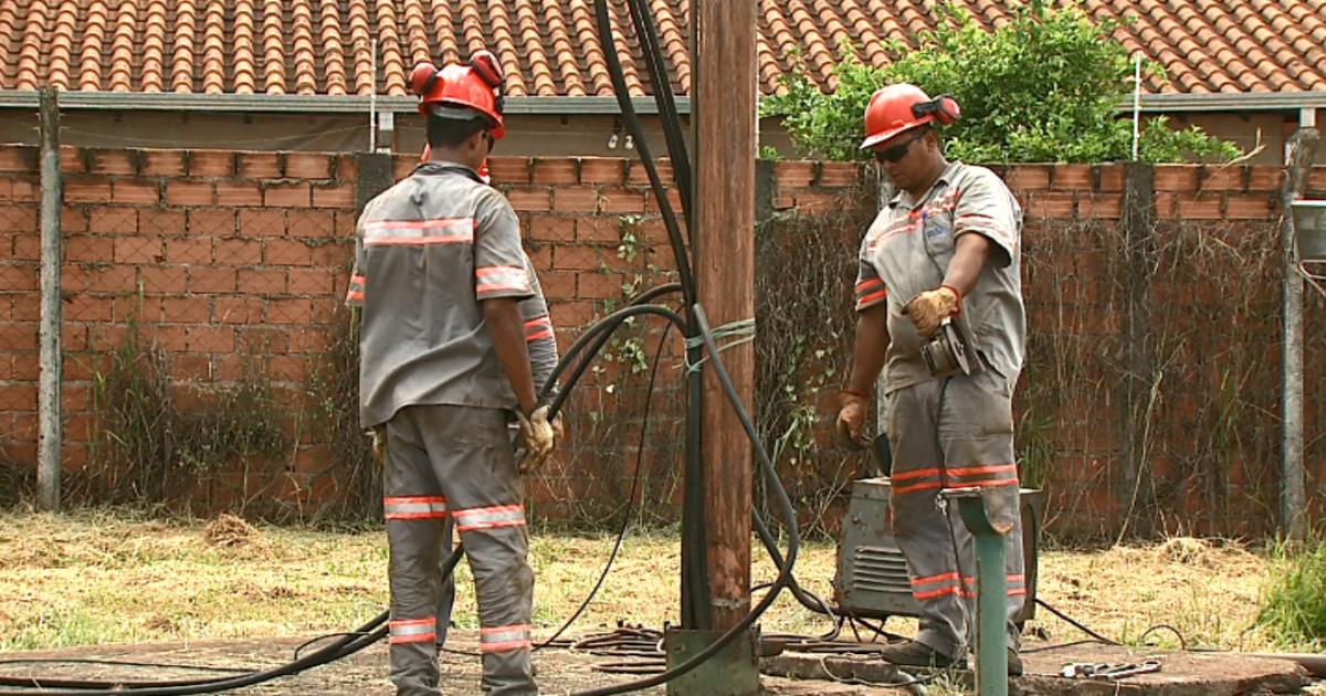 Bomba queima e deixa quase 4 mil pessoas sem água em Américo ... - Globo.com