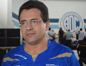 Presidente do Confiança já pensa em planejamento de 2013 (Foto: Felipe Martins/GLOBOESPORTE.COM)