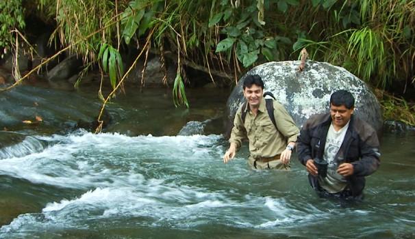 Equipe do Globo Repórter se aventurou no cenário equatoriano (Foto: Reprodução / EPTV)