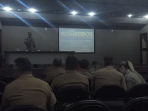 Corpo de Bombeiros apresenta Plano de Operação Verão 2015 (Foto: Larissa Vasconcelos/G1 AL)