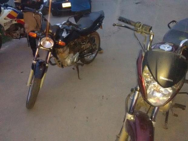 Motos apreendidas pela PM em Nova Serrana (Foto: PM/Divulgação)