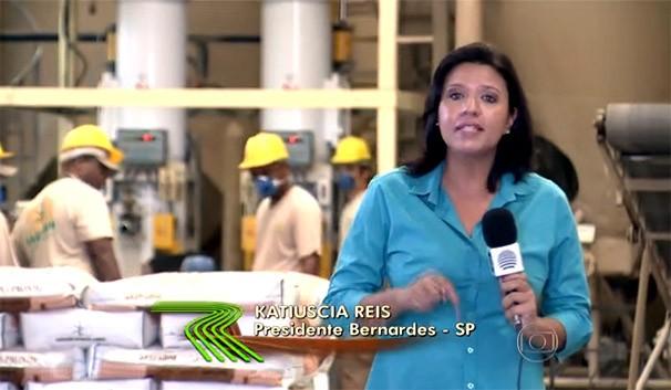 A repórter Katiuscia Reis em matéria exibida no Globo Rural (Foto: Reprodução/TV Fronteira)