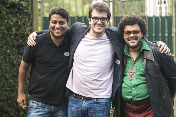 Carmelo Maia, filho de TIm Maia,  Carmelo, o produtor Rodrigo Teixeira e Babu Santana (Foto: Divulgação)
