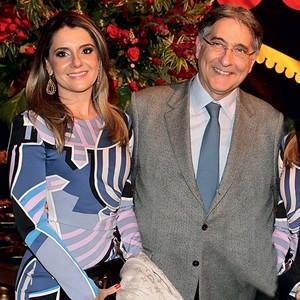 CASAL Fernando Pimentel e sua mulher, Carolina Oliveira. Ela abriu uma empresa  que prestou serviços ao PT (Foto: T. Mourão )