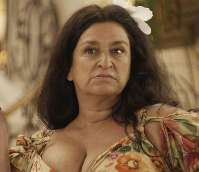 Teodora comunica decisão sobre o destino de Epaminondas (Foto: TV Globo)