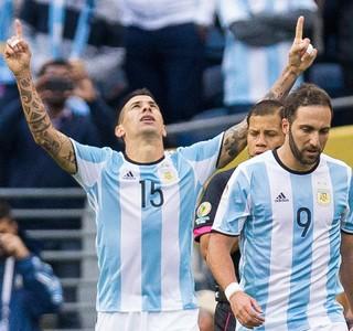 Cuesta Higuaín gol Argentina (Foto: Reuters)