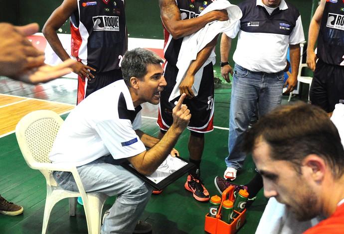 André Barbosa, Limeira X Argentino de Junin, Liga Sul-Americana de basquete (Foto: Marcelo Figueras / FIBA)
