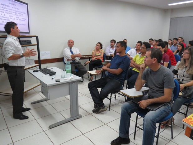 Universidade precisa de ensino, pesquisa e extensão, segundo coordenadora do curso de direito da UFT (Foto: Vivianni Asevedo/Unitins)