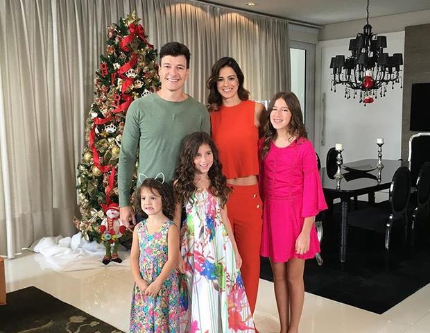 Vera Viel, Rodrigo e as filhas, Clara, Maria e Helena (Foto: Arquivo pessoal/ Vera Viel)
