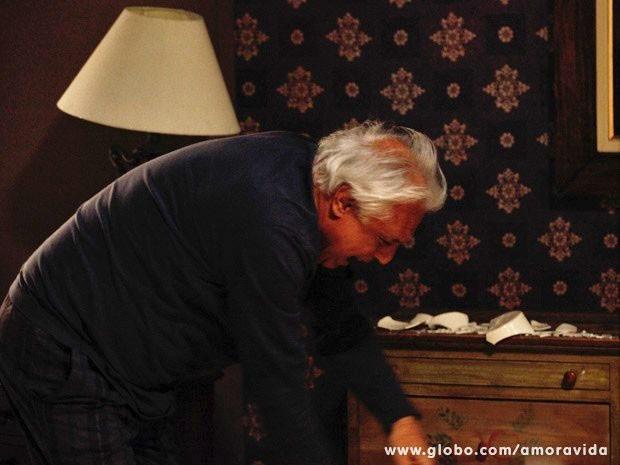 César quase volta a cair em casa (Foto: Inácio Moraes/TV Globo)