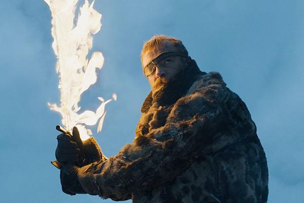 Beric e sua espada flamejante. 'Beyond the Wall' promete (Foto: Divulgação)