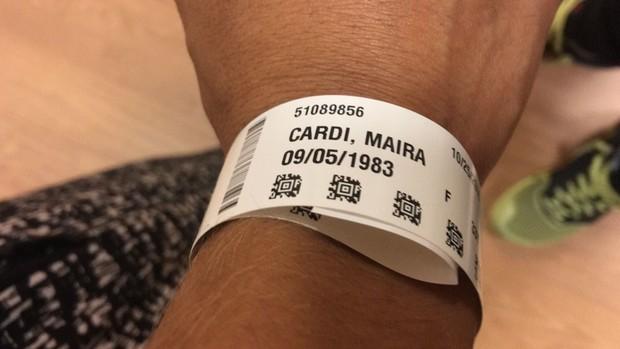 A pulseira de internação de Mayra Cardi (Foto: Arquivo Pessoal / Mayra Cardi)