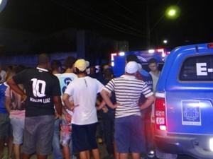 homem é morto e três pessoas são baleadas em feira de santana (Foto: Acorda Cidade / Divulgação)