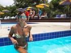 Giulia Costa exibe corpo em forma durante férias em Santa Catarina