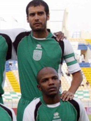 Oliveira e Guardiola Al- Ahli (Foto: Divulgação)