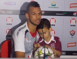 Luís Alberto e filho - Vitória (Foto: Rafael Santana)