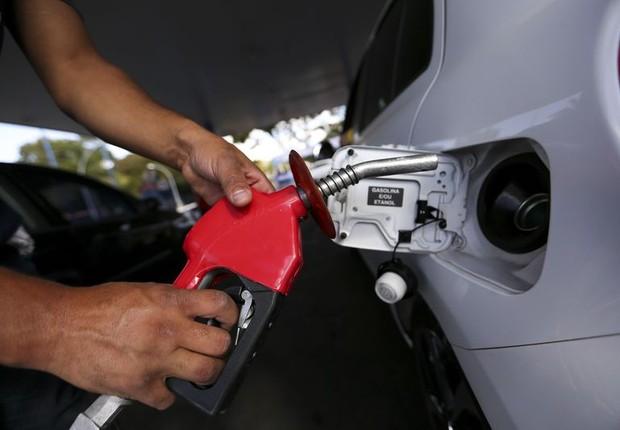 Aumento de impostos sobre combustíveis leva a fila em postos de gasolina (Foto: Marcelo Camargo/Agência Brasil)