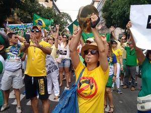 Em Belém, cerca de 2 mil pessoas, segundo PM, participam da manifestação contra a corrupção  (Foto: G1)